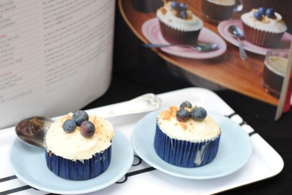 Home Sweet Home Hummingbird cupcakes